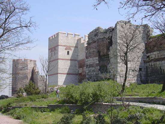 The Walls of Constantinople  The Walls of Constantinople The Walls of Constantinople - Estambul - Turquía